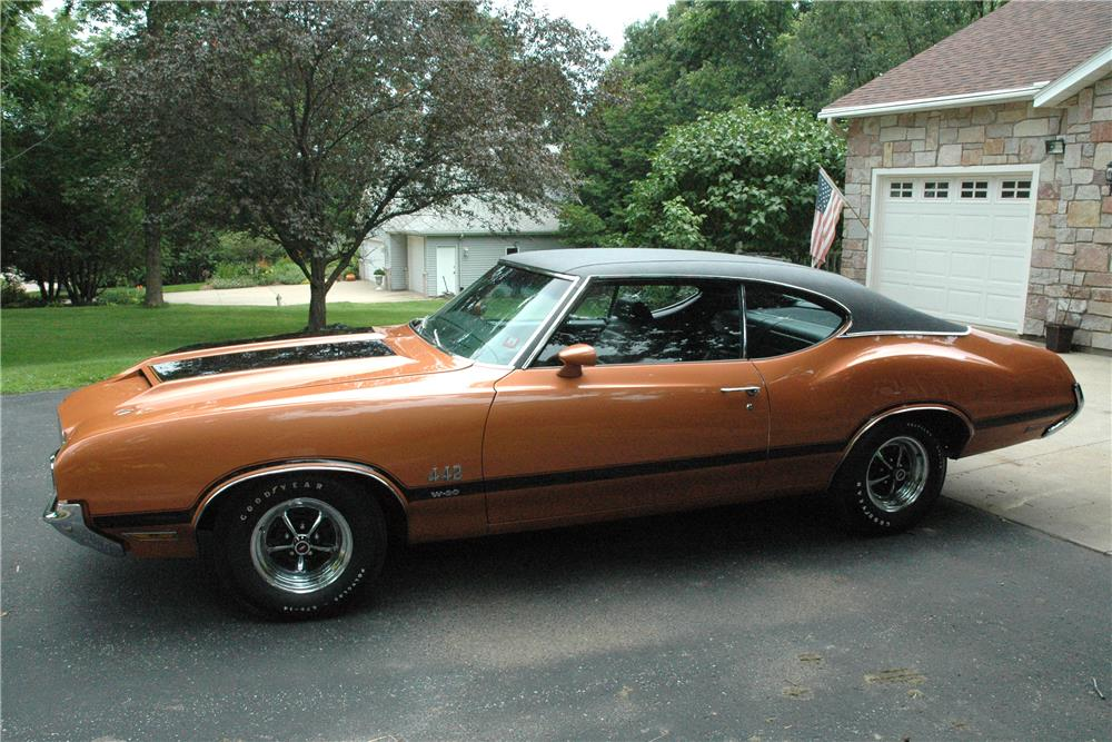 1971 OLDSMOBILE 442 W30  - Side Profile - 187124
