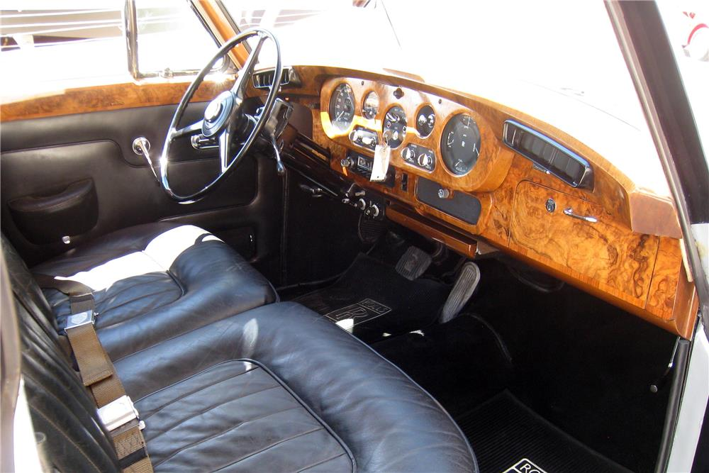 1965 ROLLS-ROYCE SILVER CLOUD III SALOON - Interior - 187185