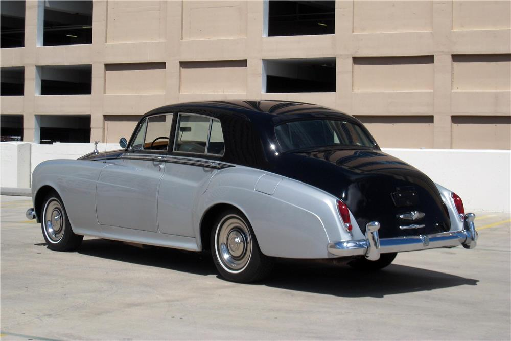 1965 ROLLS-ROYCE SILVER CLOUD III SALOON - Rear 3/4 - 187185
