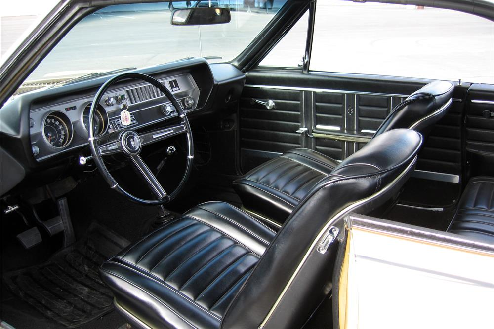 1967 OLDSMOBILE 442 HOLIDAY - Interior - 187195