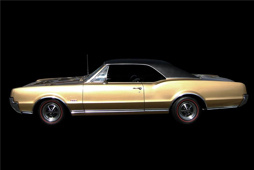 1967 OLDSMOBILE 442 HOLIDAY - Side Profile - 187195