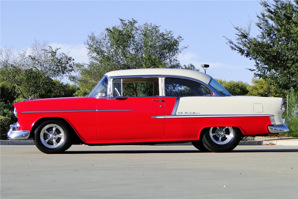 1955 CHEVROLET BEL AIR CUSTOM SEDAN - Side Profile - 187197