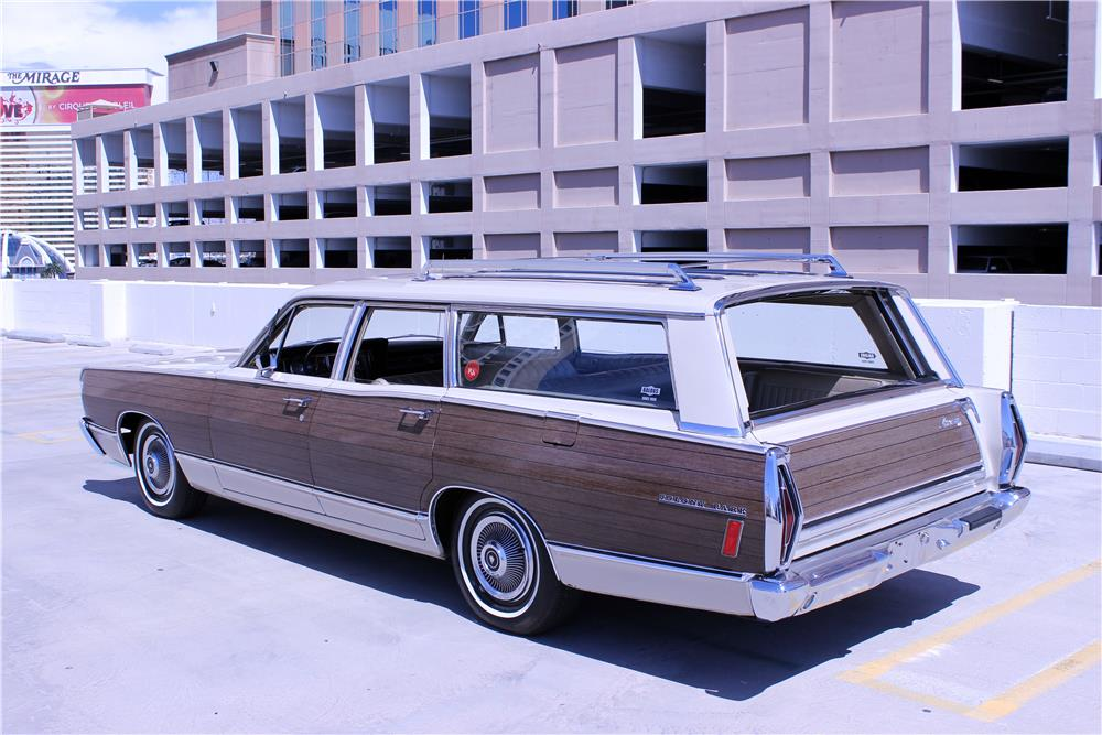 1968 MERCURY COLONY PARK WAGON - Rear 3/4 - 187209