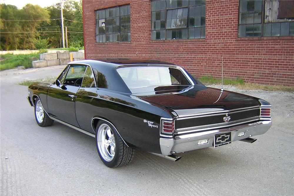 1967 CHEVROLET CHEVELLE CUSTOM HARDTOP - Rear 3/4 - 187268