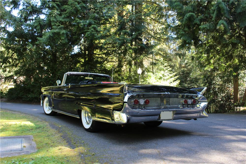 1958 LINCOLN CONTINENTAL MARK III CONVERTIBLE - Rear 3/4 - 187274