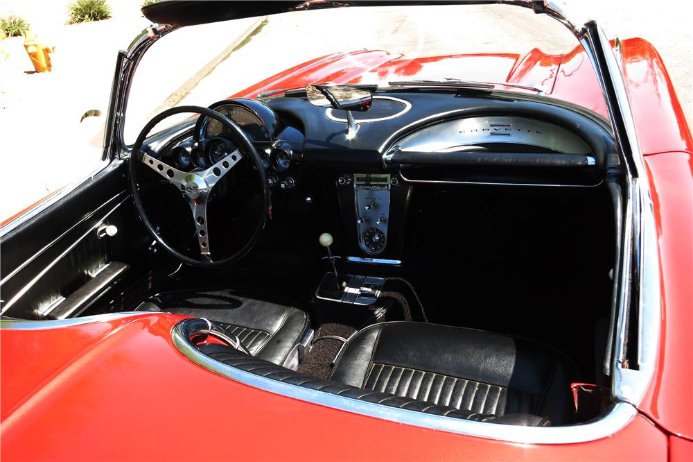 "1962 CHEVROLET CORVETTE 327 CONVERTIBLE ""FUELIE"" - Interior - 187299"