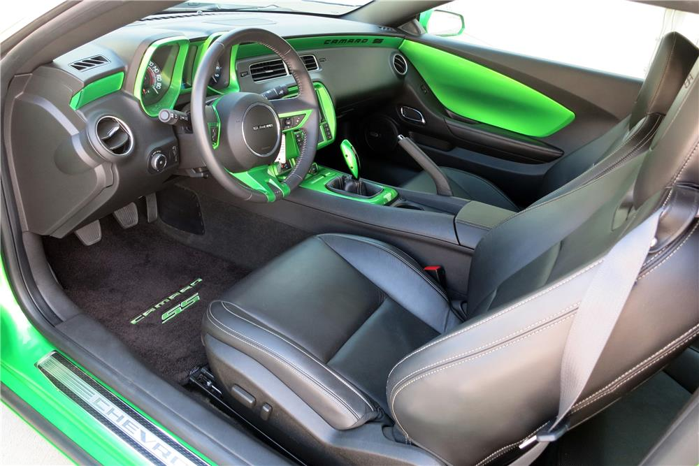 2011 CHEVROLET CAMARO SS CUSTOM COUPE - Interior - 187400