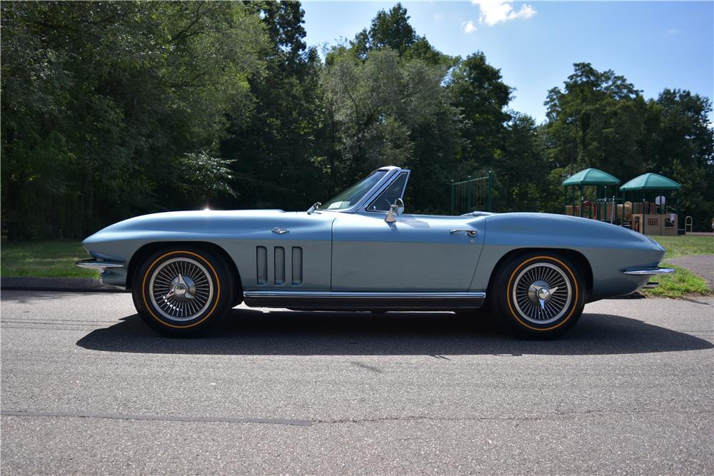 1966 CHEVROLET CORVETTE CONVERTIBLE - Side Profile - 187413