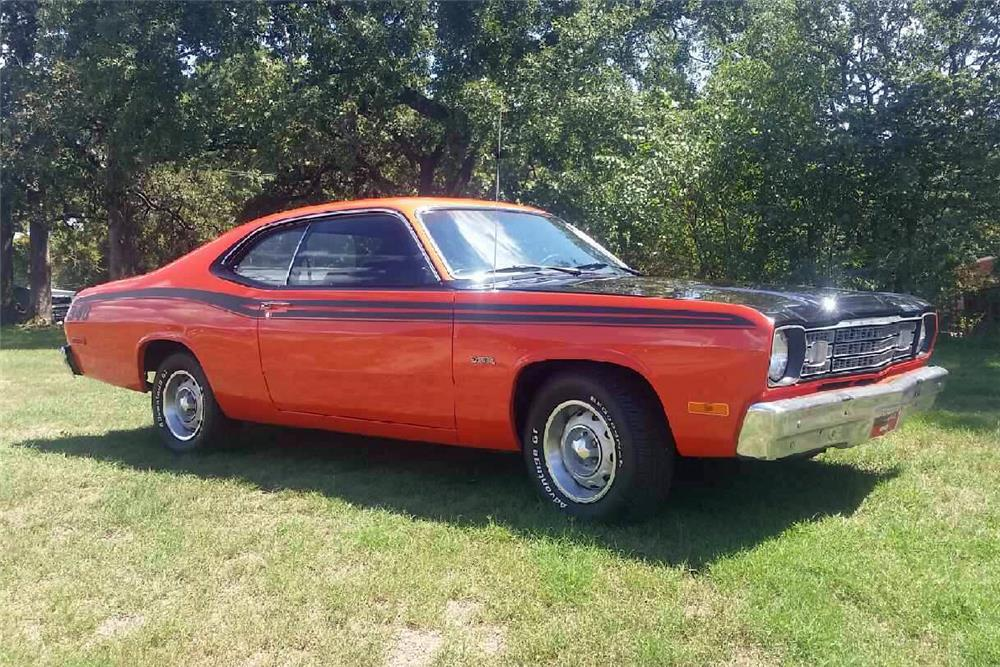 1974 PLYMOUTH DUSTER  - Front 3/4 - 187445
