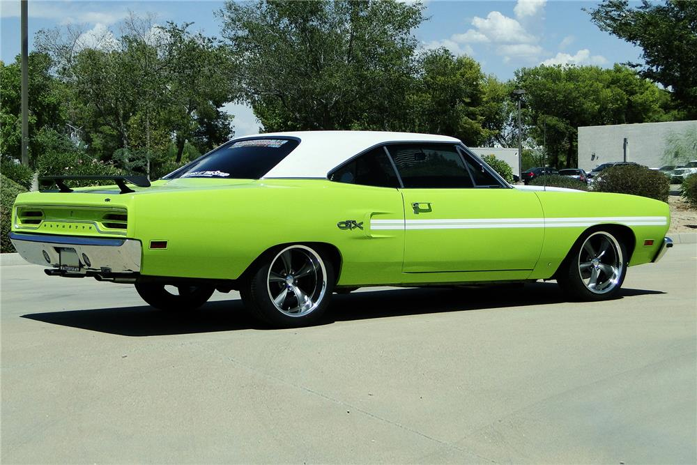 1970 PLYMOUTH GTX CUSTOM HARDTOP - Rear 3/4 - 187486