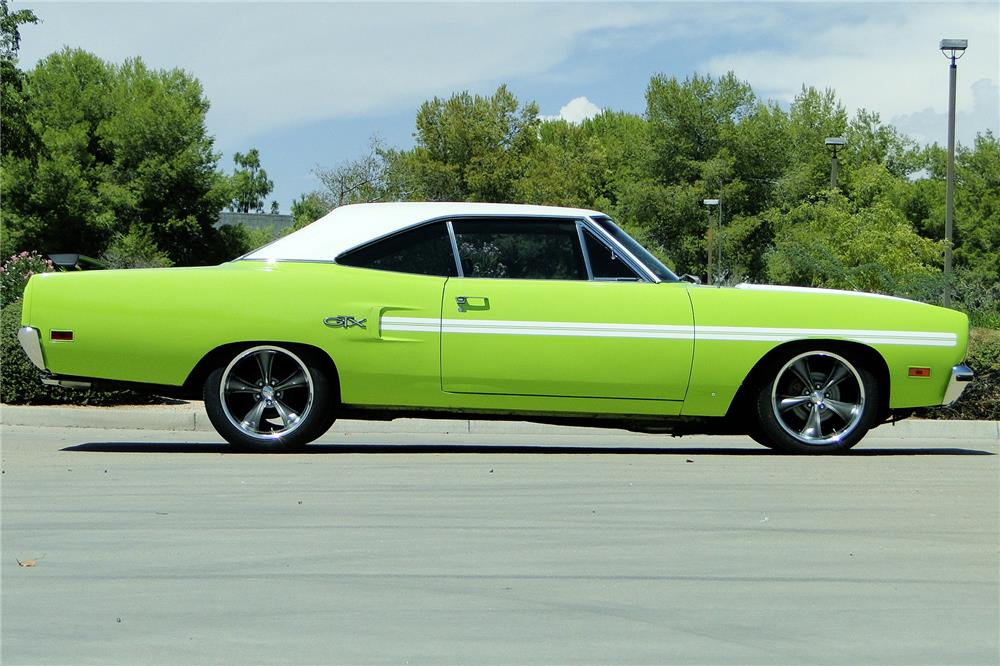 1970 PLYMOUTH GTX CUSTOM HARDTOP - Side Profile - 187486