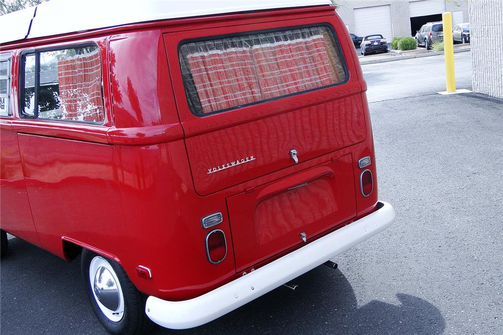 1970 VOLKSWAGEN WESTFALIA POP-TOP CAMPER - Rear 3/4 - 187497
