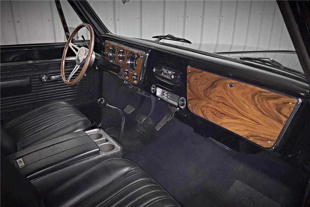 1968 CHEVROLET C-10 CUSTOM PICKUP - Interior - 187511