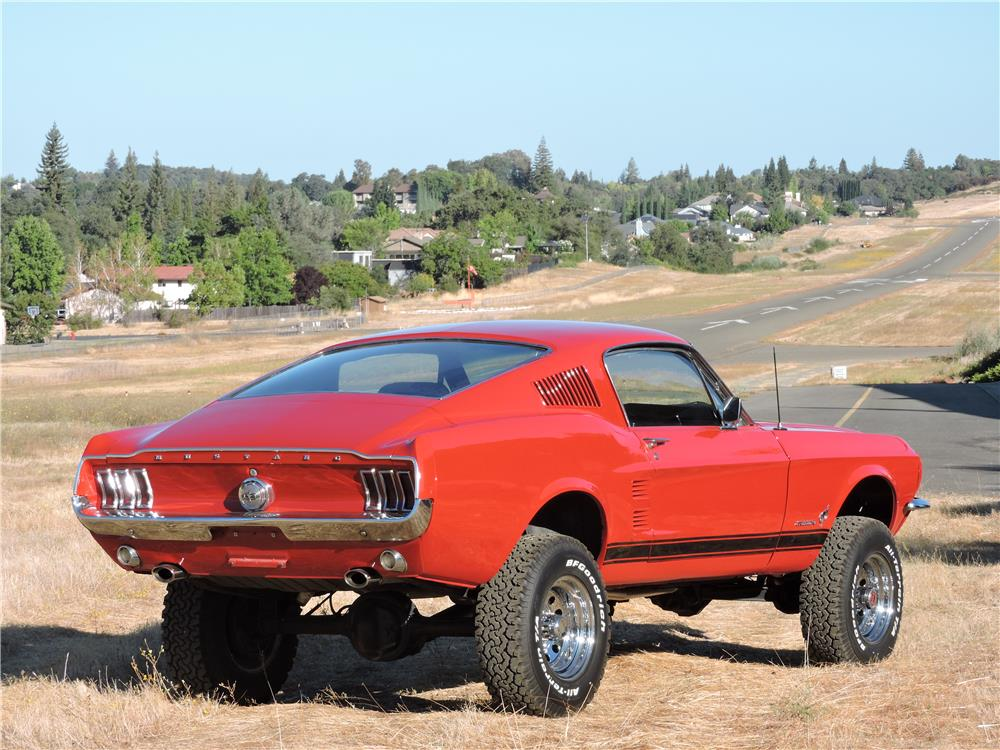 1967 FORD MUSTANG CUSTOM FASTBACK - Rear 3/4 - 187530