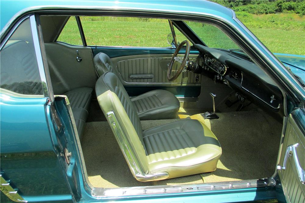 1965 FORD MUSTANG  - Interior - 187585