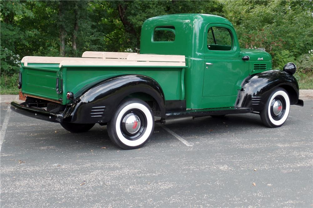 1941 PLYMOUTH PICKUP - Rear 3/4 - 187591