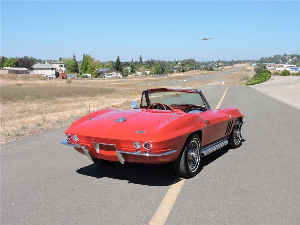 1966 CHEVROLET CORVETTE CONVERTIBLE - Rear 3/4 - 187593