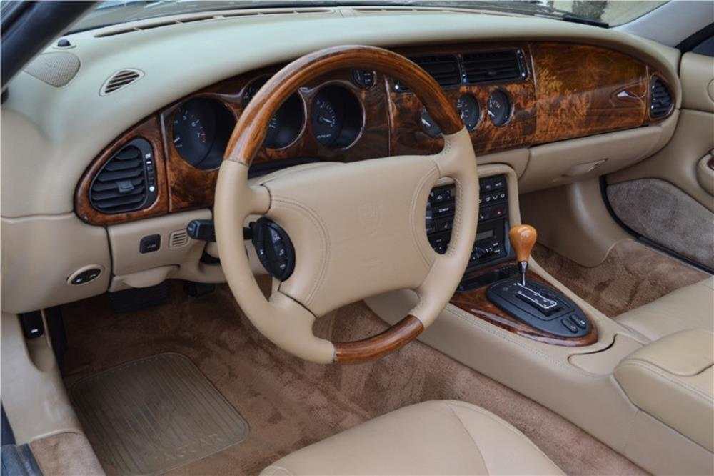 1997 JAGUAR XK8 CONVERTIBLE - Interior - 187692
