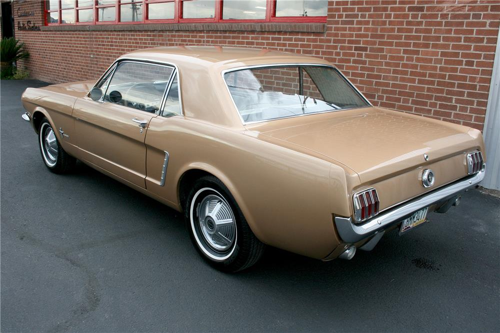 1965 FORD MUSTANG - Rear 3/4 - 187705