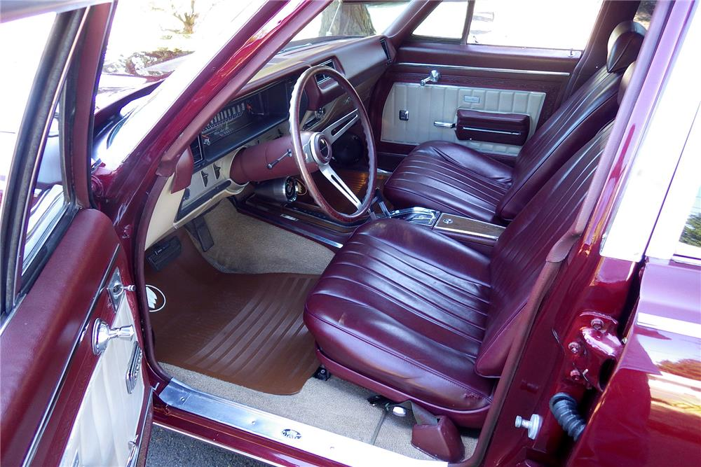 1969 BUICK CUSTOM SPORT WAGON - Interior - 187789