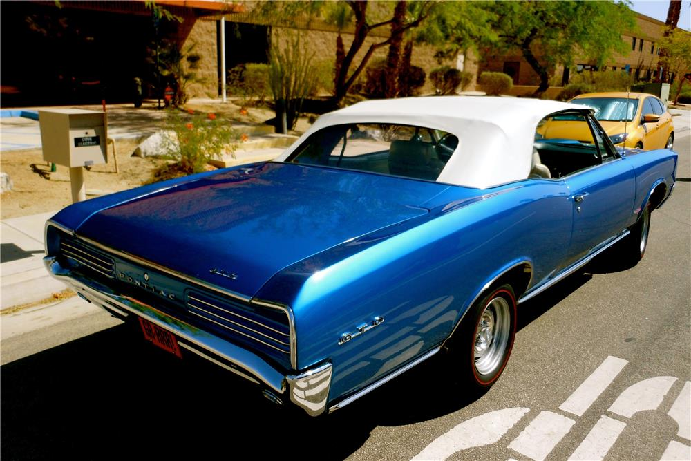 1966 PONTIAC GTO CONVERTIBLE - Rear 3/4 - 187902