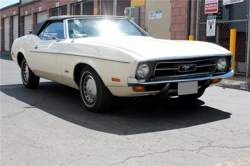 1971 FORD MUSTANG CONVERTIBLE - Front 3/4 - 188038