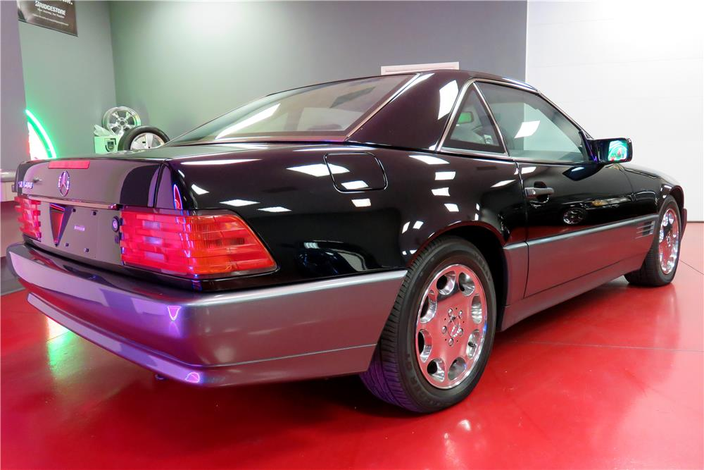 1994 MERCEDES-BENZ SL500 HARDTOP CONVERTIBLE - Rear 3/4 - 188077