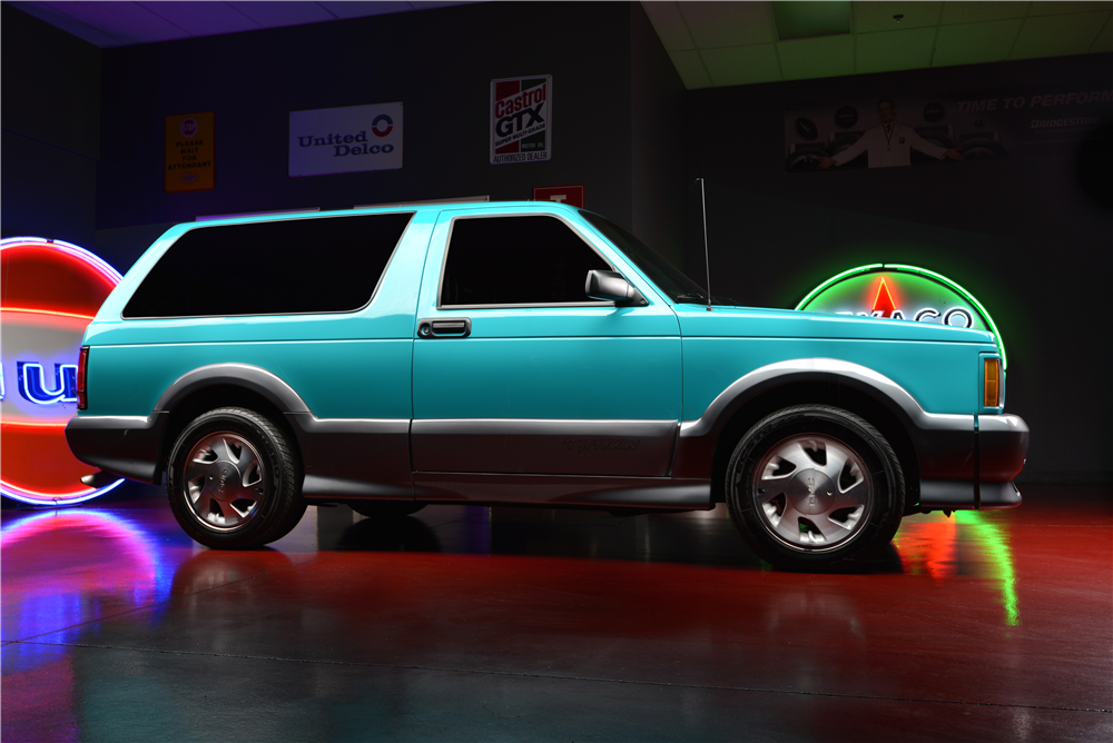 1992 GMC TYPHOON SUV - Side Profile - 188079