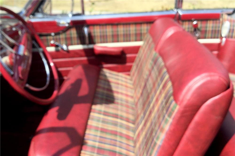 1942 CHRYSLER NEW YORKER CONVERTIBLE - Interior - 188095