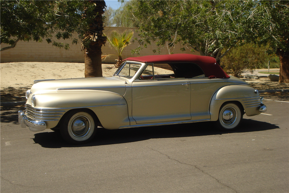 1942 CHRYSLER NEW YORKER CONVERTIBLE - Side Profile - 188095