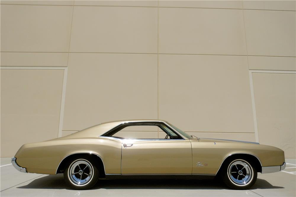1966 BUICK RIVIERA GS HARDTOP - Side Profile - 188100