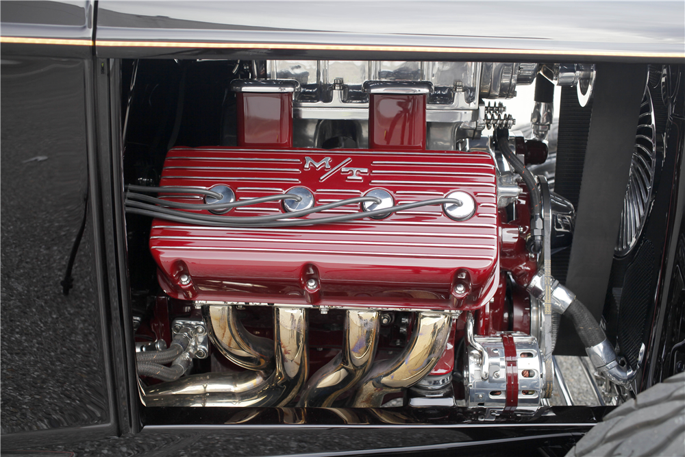 1932 FORD HI-BOY CUSTOM ROADSTER - Engine - 188118