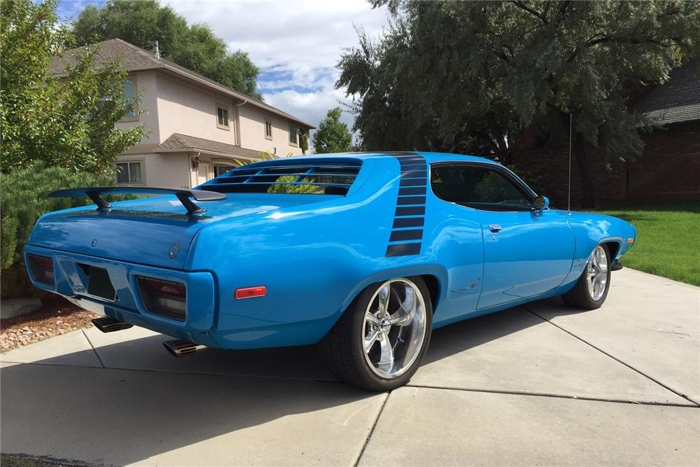 Carros velozes e furiosos 4 album besides 1970 Plymouth Superbird 4 as well Watch together with 1840 St68kit Mopar 1968 69 B Body Seat Track Kit together with 1970 Plymouth Fury Pictures C9186. on 1972 road runner 440