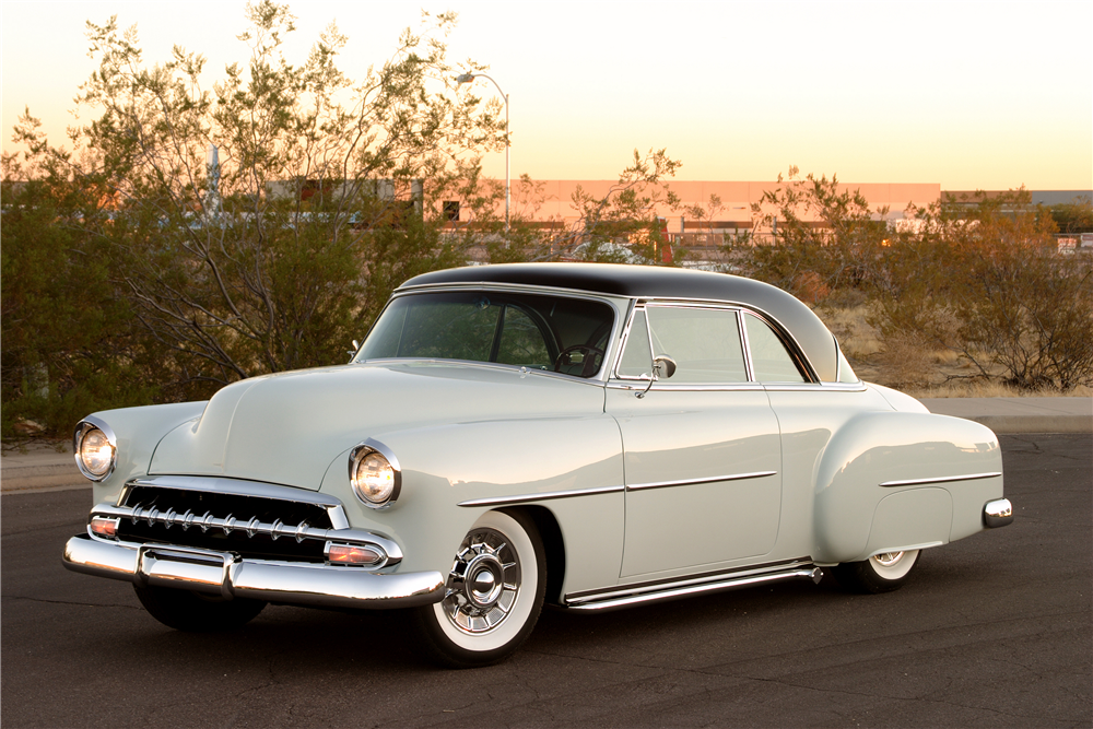 1952 CHEVROLET DELUXE CUSTOM COUPE - Front 3/4 - 188141