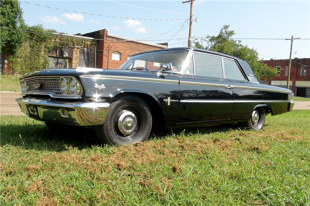 1963 FORD GALAXIE 500 - Front 3/4 - 188142