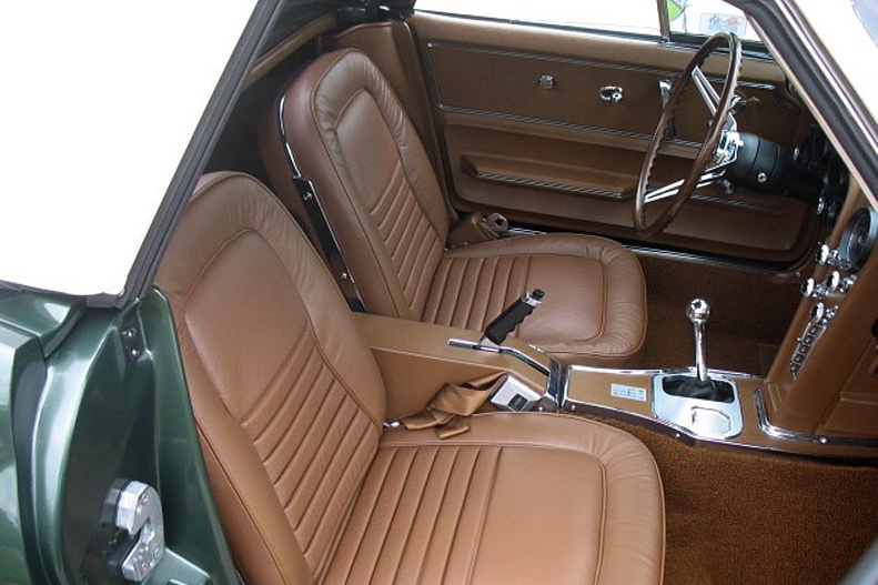 1967 CHEVROLET CORVETTE CONVERTIBLE - Interior - 188144