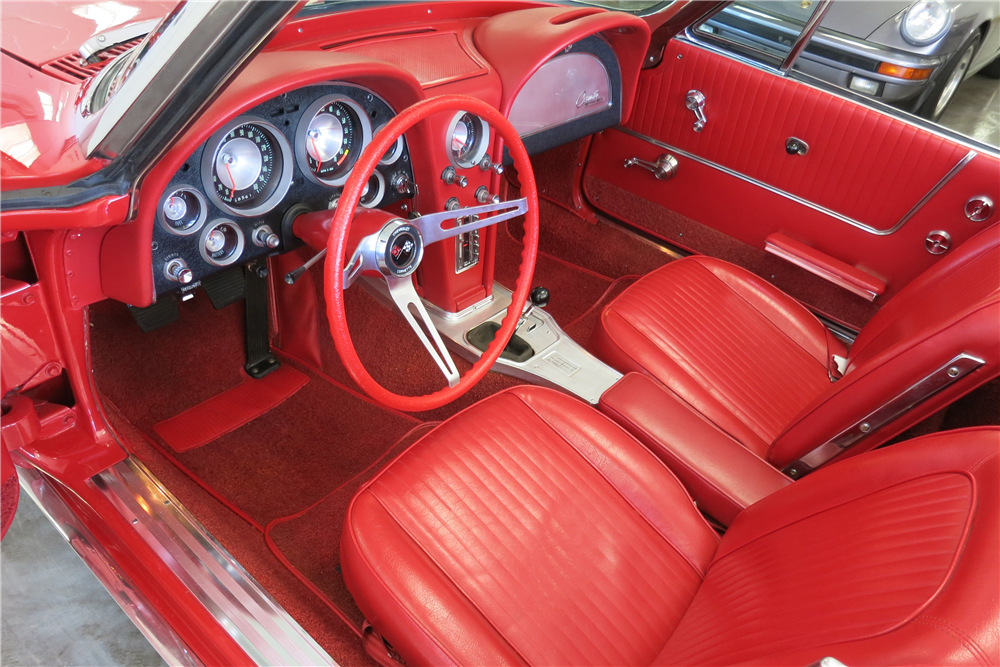 1963 CHEVROLET CORVETTE CONVERTIBLE - Interior - 188145