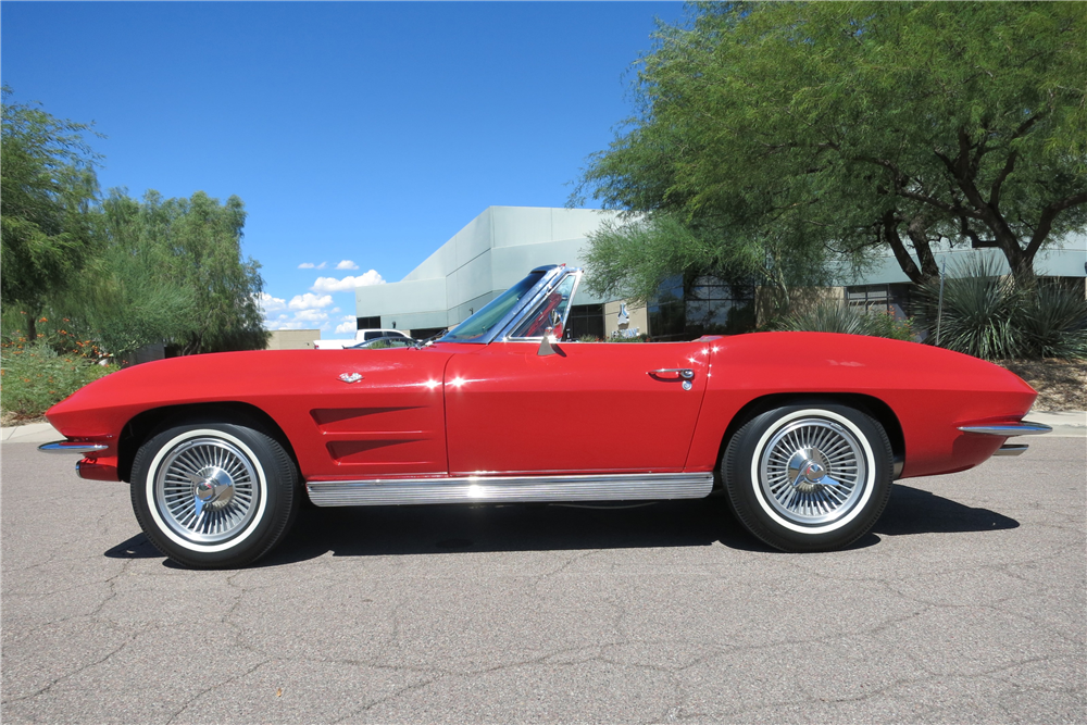 1963 CHEVROLET CORVETTE CONVERTIBLE - Side Profile - 188145