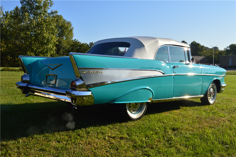 1957 CHEVROLET BEL AIR CONVERTIBLE - Rear 3/4 - 188162