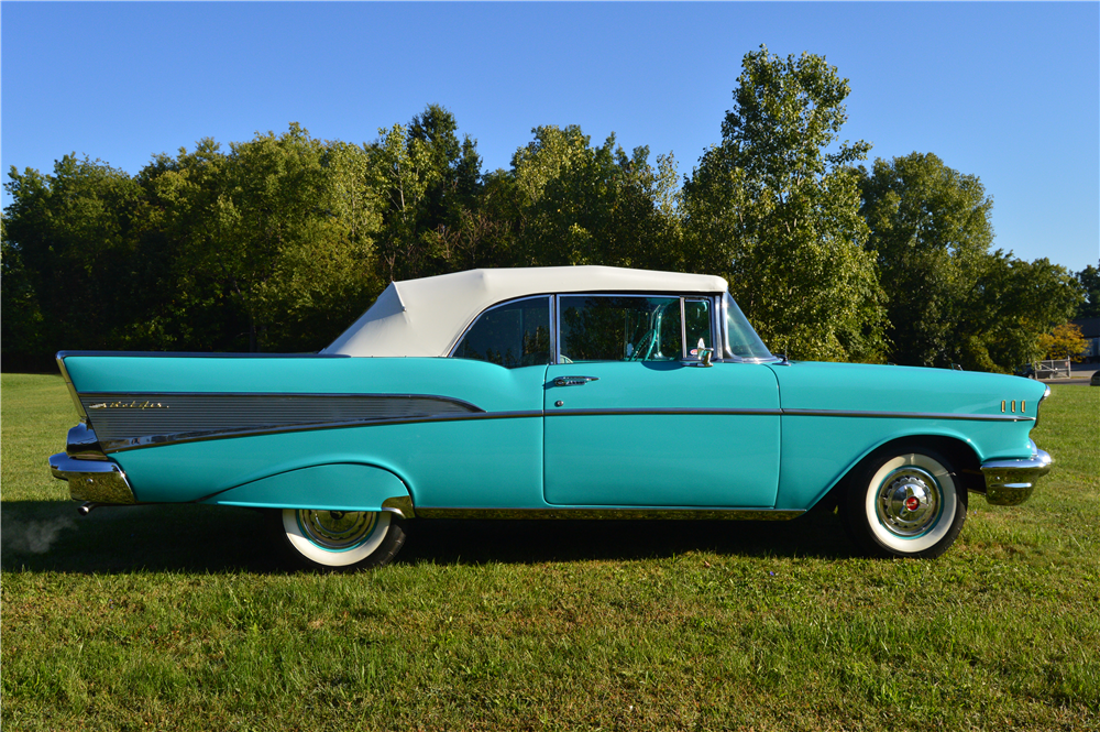 1957 CHEVROLET BEL AIR CONVERTIBLE - Side Profile - 188162