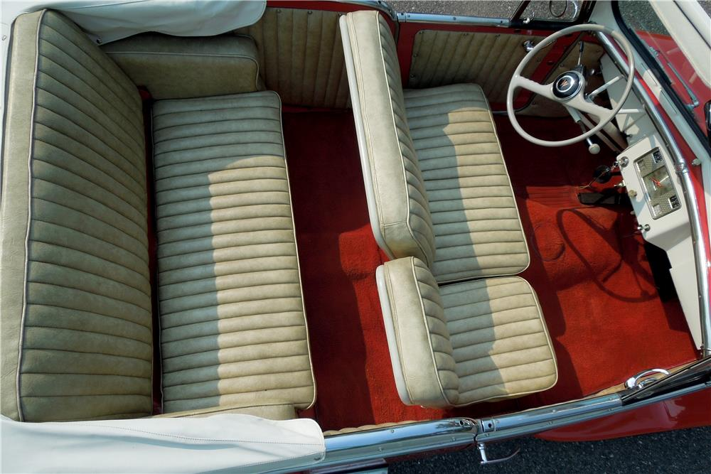1949 WILLYS JEEPSTER CONVERTIBLE - Interior - 188456