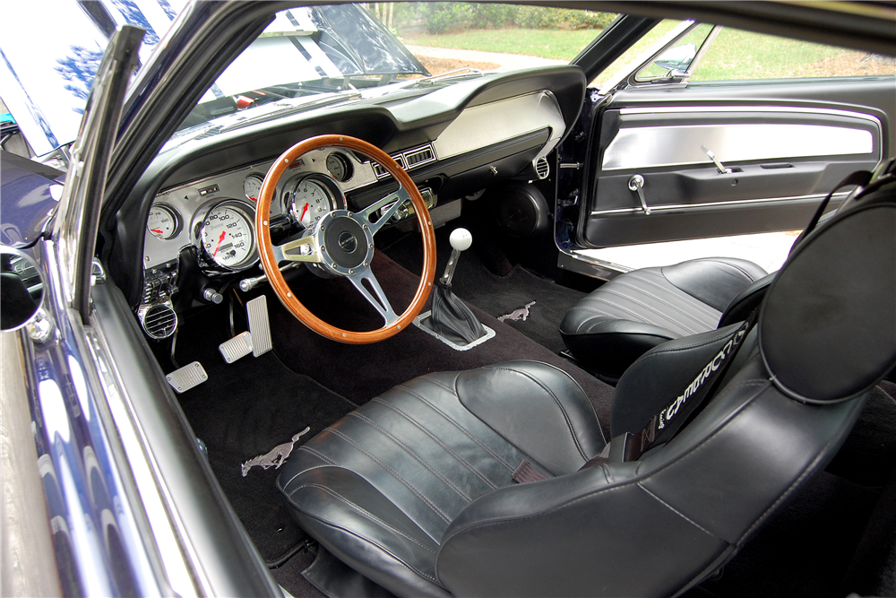 1968 FORD MUSTANG CUSTOM FASTBACK - Interior - 188457