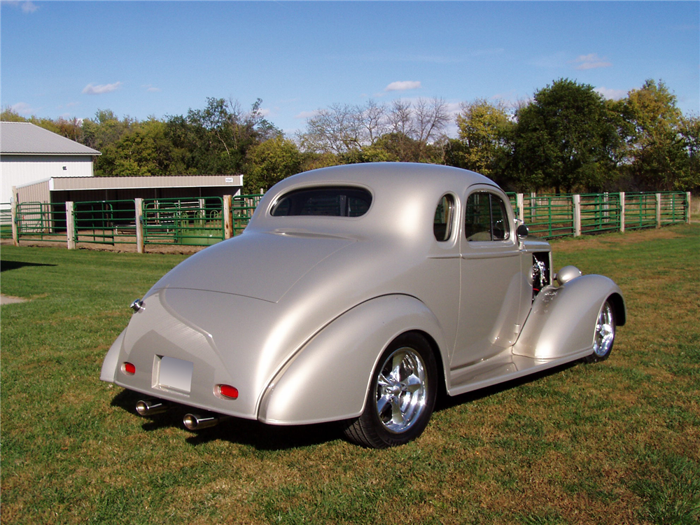 1936 CHEVROLET 5-WINDOW CUSTOM COUPE - Rear 3/4 - 188459