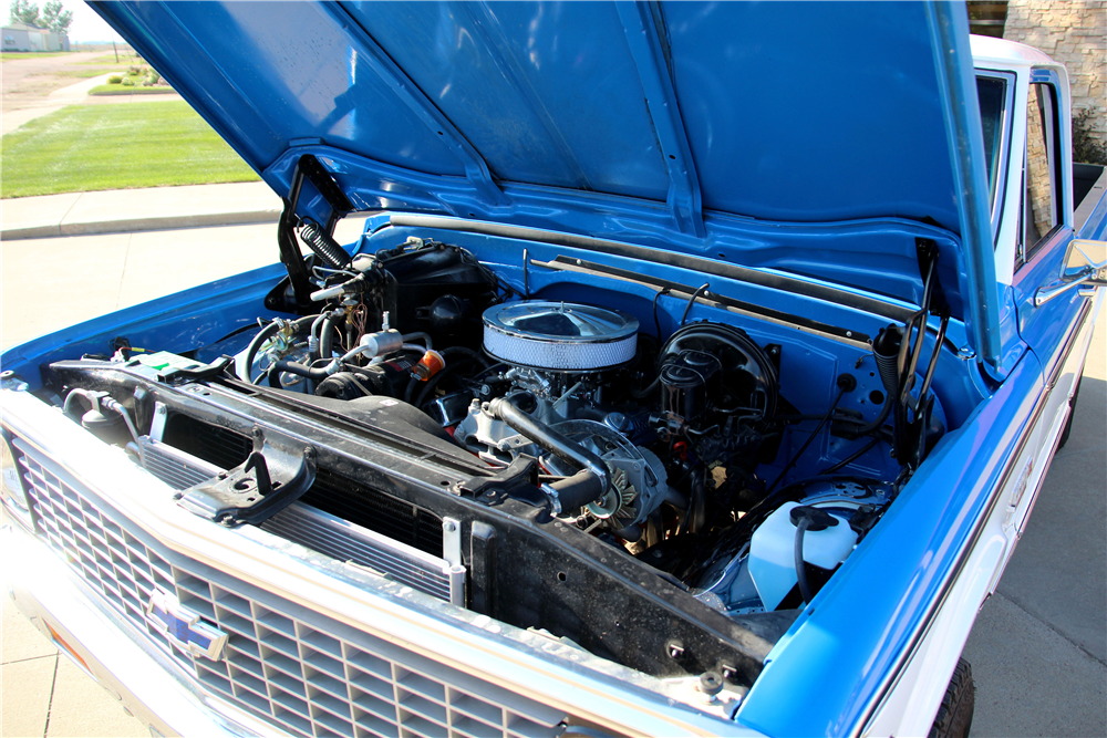 1972 CHEVROLET CHEYENNE SUPER 10 PICKUP - Engine - 188477