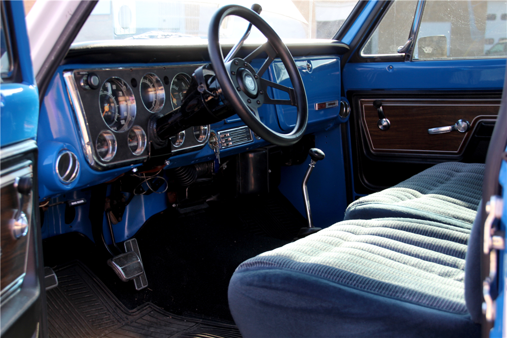 1972 CHEVROLET CHEYENNE SUPER 10 PICKUP - Interior - 188477