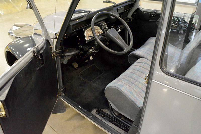 1981 CITROEN 2CV ROLL-TOP - Interior - 188485