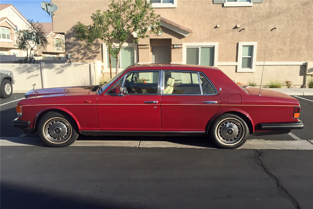 1992 ROLLS-ROYCE SILVER SPIRIT II SEDAN - Side Profile - 188499