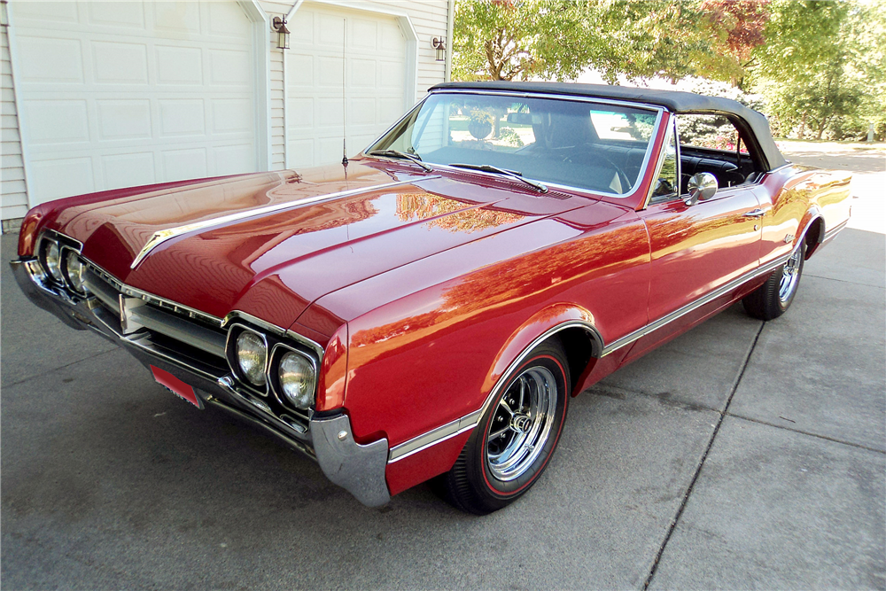 1966 OLDSMOBILE CUTLASS CONVERTIBLE - Front 3/4 - 188510