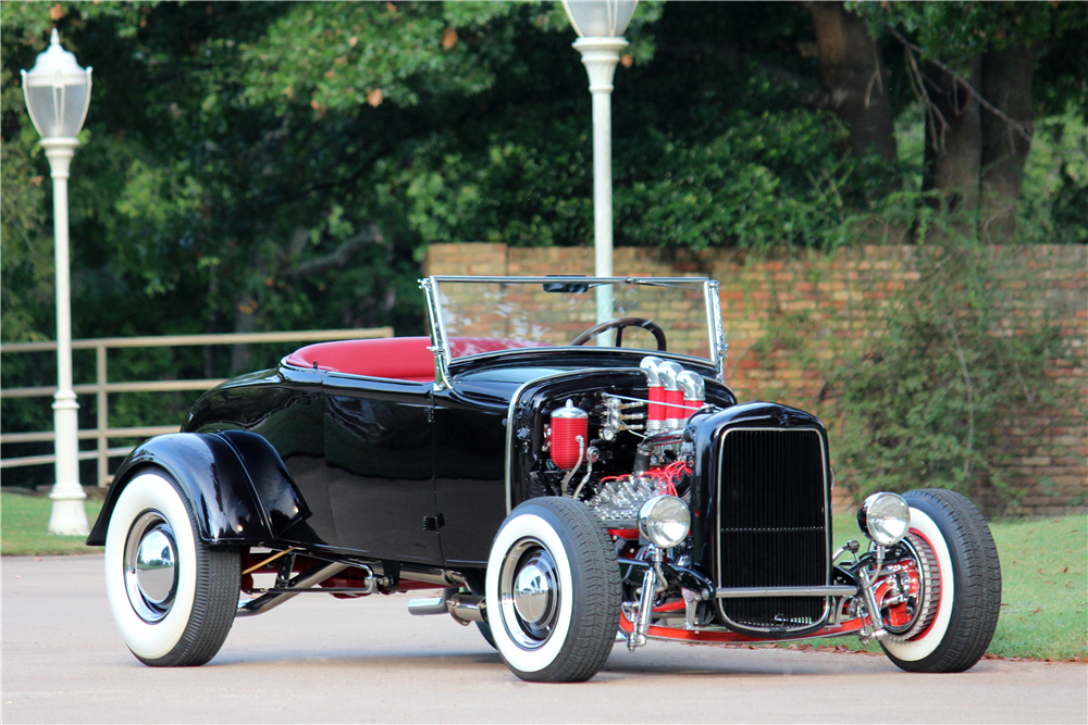 1931 FORD CUSTOM ROADSTER - Front 3/4 - 188515