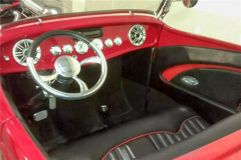 1932 FORD CUSTOM ROADSTER - Interior - 188522